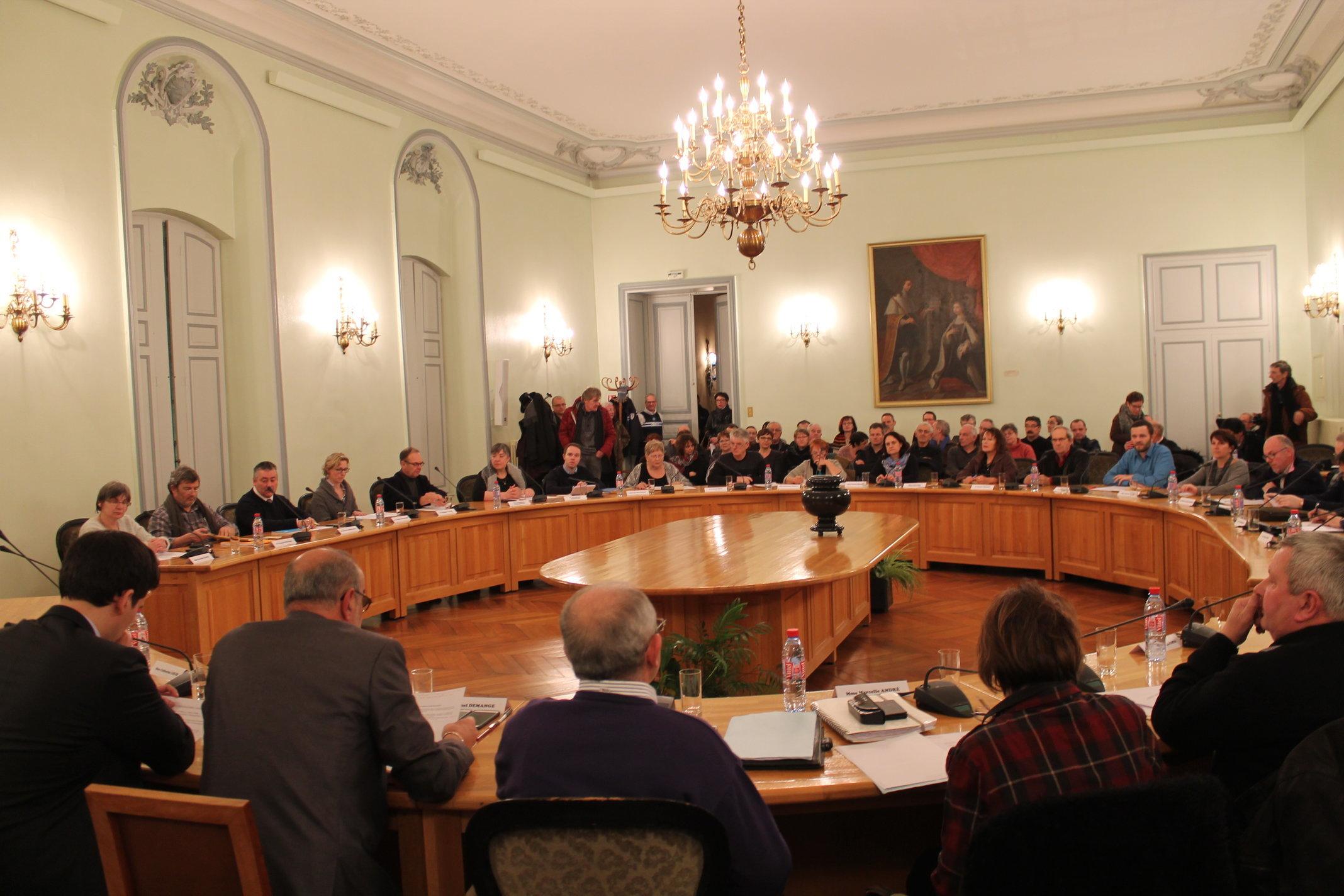 Remiremont – Le conseil municipal officialise la création d'une assemblée des Sages