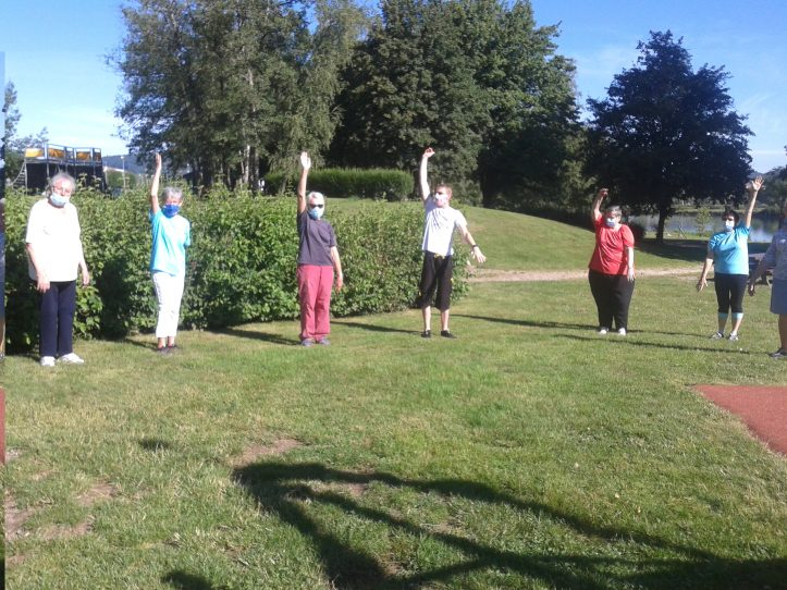 """Dommartin-lès-Remiremont – """"Siel Bleu"""" s'entraîne sous le soleil du plan d'eau – """"Siel Bleu"""" s'entraîne sous le soleil du plan d'eau"""