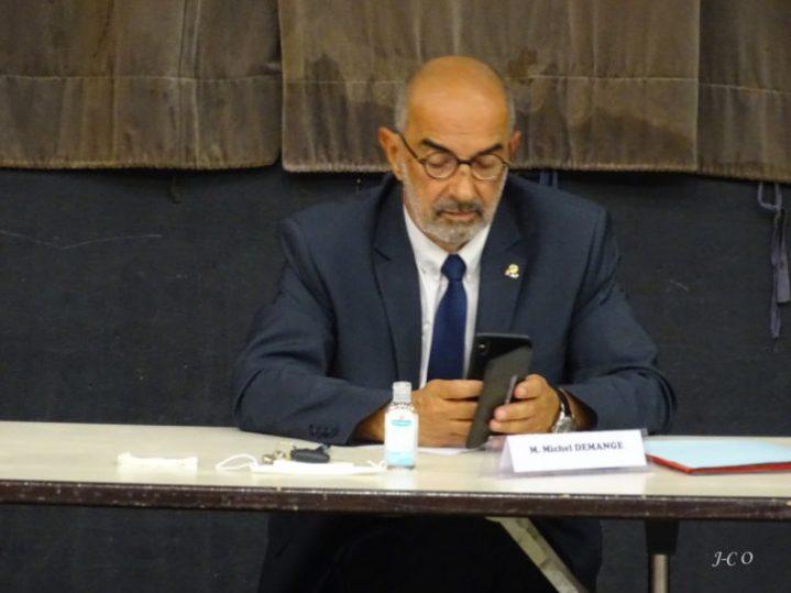 Michel Demange, maire de Saint-Etienne-lès-Remiremont, est élu neuvième vice-président, à la démocratie participative et à la recherche de partenariats.