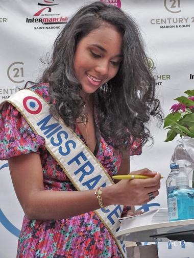 00 Dédicace miss France (6)