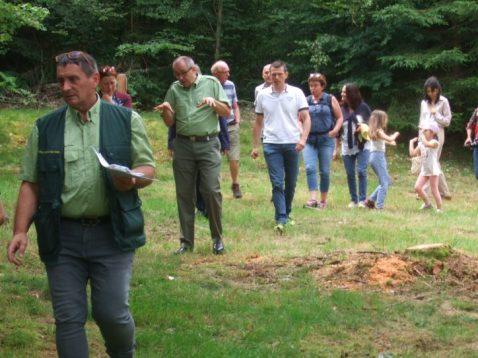Patrick Kugler et Gilles Oudot de l'Office National des Forêts ont ouvert la visite et donné de multiples explications.